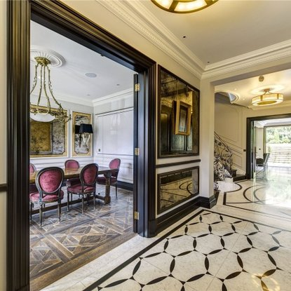 LONDON LIVING The capital's most exclusive properties